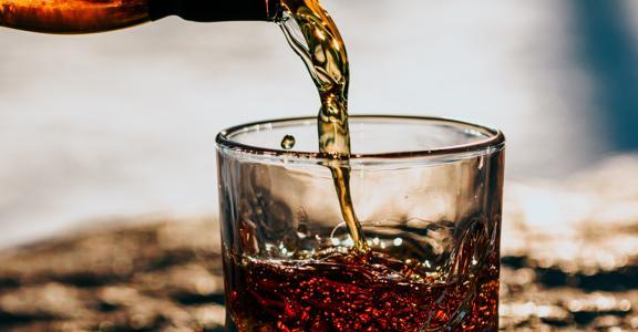 Prodotti alimentari. Etichettatura bevande spiritose prodotte con metodi tradizionali