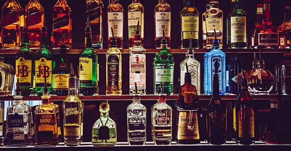 Accise: vendita e somministrazione di alcolici con licenza