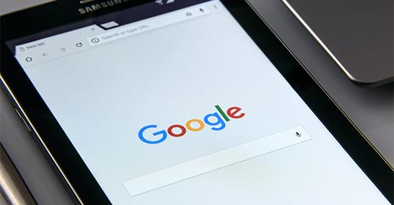 Google ADS: con un budget pubblicitario minimo, Google offre di curare gratis le campagne